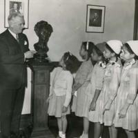 Dwight H. Green Speaks to Five Girls