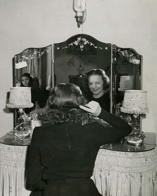 Mabel Kingston Green at Mirror